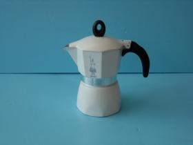 MOKA簡約摩卡壺(白)3杯-咖啡專業器材-摩卡壺及配件