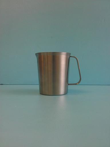 錐形不鏽鋼0.5L 內刻量杯